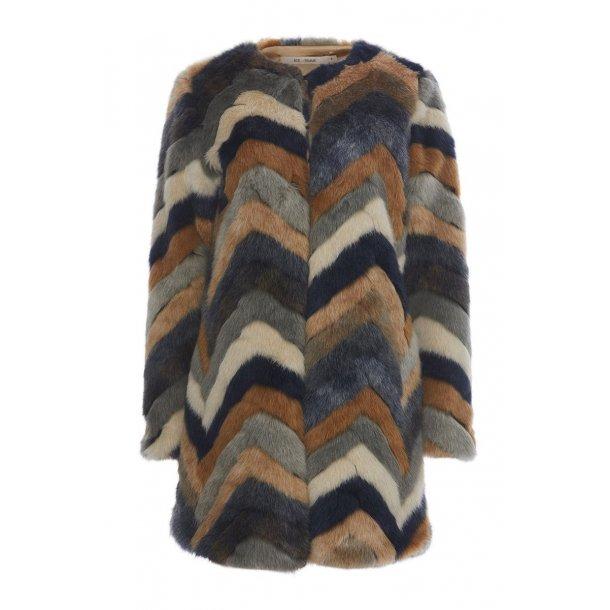 Furla coat Rdf