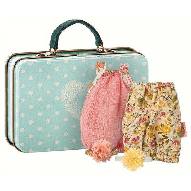 Maileg micro suitcase w 2 dresses